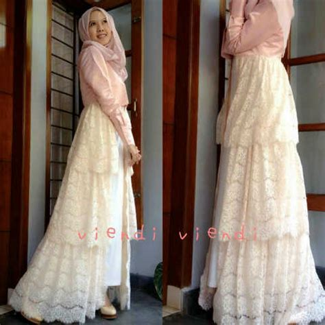 Kebaya Cape Brukat Mix Rok Plisket gaun mix brokat model maxi dress hijabers terbaru