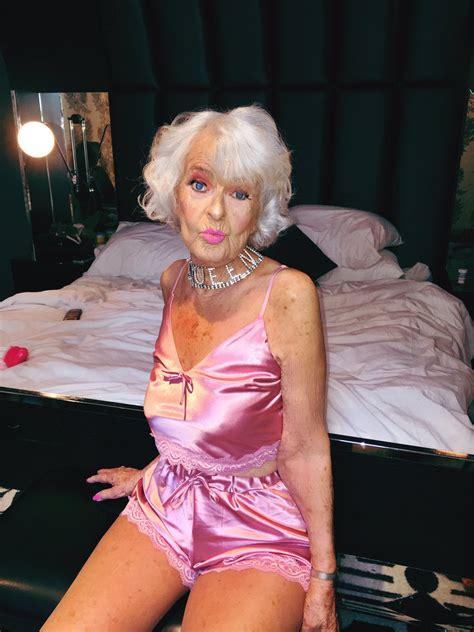 sexy old lady baddiiiee baddiewinkle twitter
