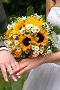 sunflower wedding brighten events with sunflower accents decor the celebration society