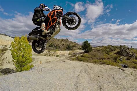 Chris Birch Ktm Chris Birch Shows What S Possible On A Ktm 1190 Adventure