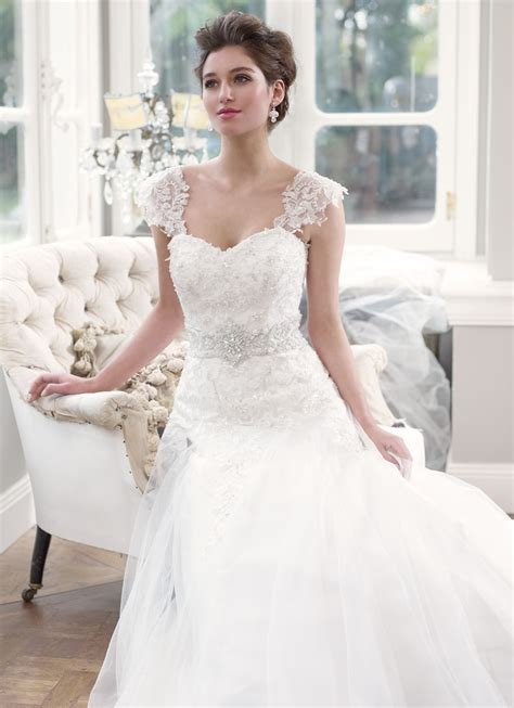 Wedding Dresses With Sleeves by Lace Wedding Dress With Cap Sleeves Ipunya