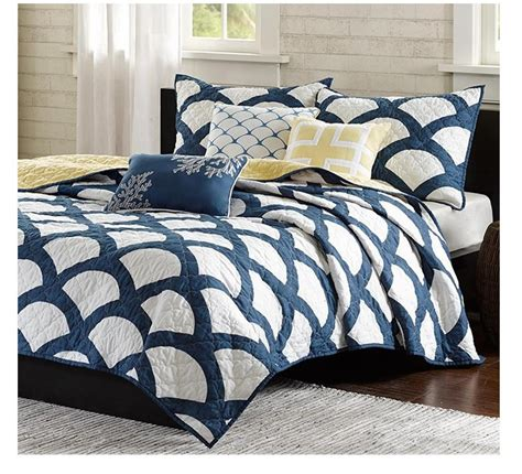 Navy And White Quilt Bedding Scallop Navy And White Quilt Bedding Set From Sky Iris