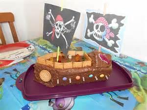 piraten kuchen piratenkuchen auf piraten cupcake und piraten