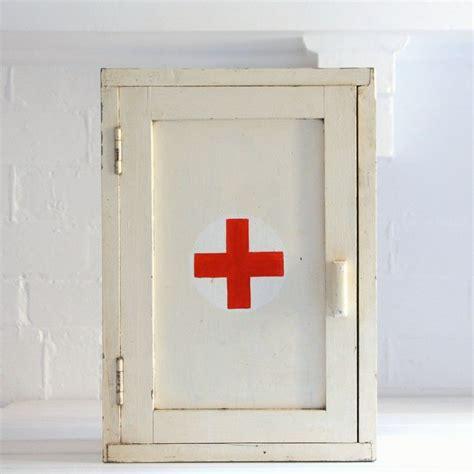 Cabinet Médical by Vintage Medicine Cabinet Vintage Wall
