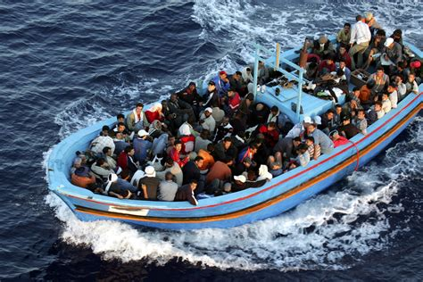 migrant crisis unhcr warns europe mediterranean migrant crisis uk warns half a million could try perilous crossing