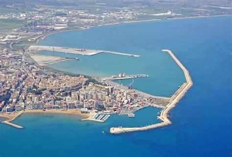 porto di crotone crotone porto nuovo marina in crotone calabria italy