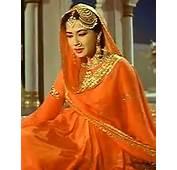 Quiz Who Romanced Meena Kumari In Pakeezah  Rediffcom Movies