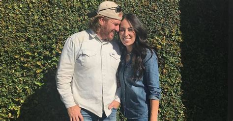 fixer upper stars fixer upper stars help elderly hurricane victim rebuild
