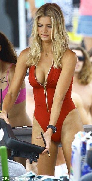 Dress Erika Set baywatch s rohrbach stuns in bathing suit on set