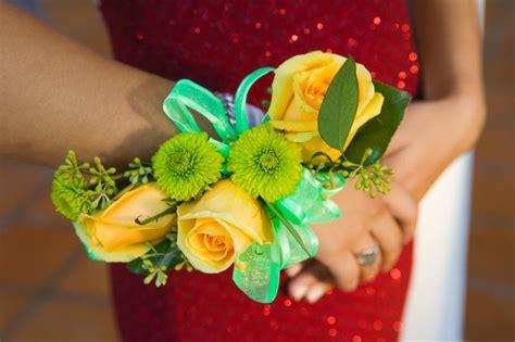 fiori per 18 anni bouquet e mazzo di fiori per i 18 anni