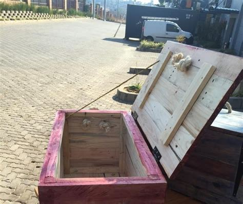 toy box  wood pallets buying beuh