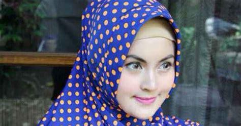 tutorial hijab pashmina motif polkadot inspirasi model hijab segi empat terbaru dengan motif