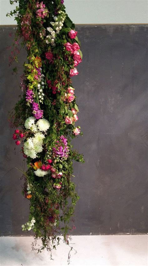 flower arrangement techniques fresh and bright easy flower arranging tips at http