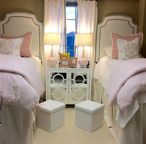 ole miss black gold pink decor 2 ur door ole miss room goes viral with amazing design makeover