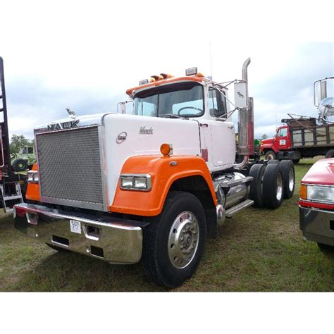 mack superliner ta truck tractor