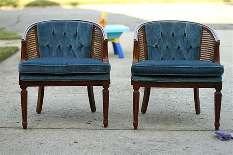 Reupholster With Attached Cushions by 25 Best Ideas About Back Chairs On Reupholster Furniture Refinished Chairs