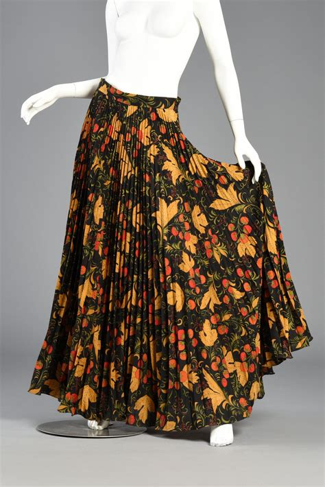 autumnal print 70s accordion pleat maxi skirt bustown modern