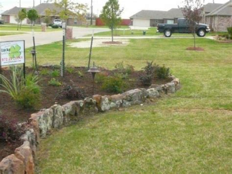 Landscape Edging With Boulders Pin By Carolyn Chambers On Yard Decorating Gardening