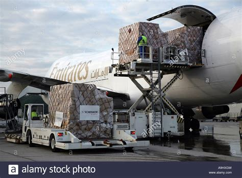 air freight aircraft boeing 747 from emirates at the frankfurt hahn stock photo 12374184 alamy