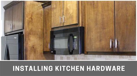 installing kitchen cabinet hardware installing kitchen cabinet hardware with kreg cabinet jig