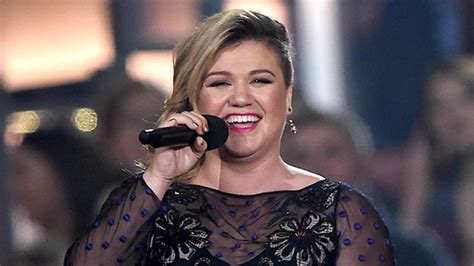 how many hair styles has kelly ripa had kelly clarkson says she s done being pregnant after her
