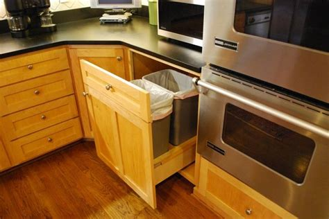 Built In Trash Cans For The Kitchen by 128 Best Images About Kitchen Ideas On Smart Kitchen Kitchen Small And Custom Kitchens