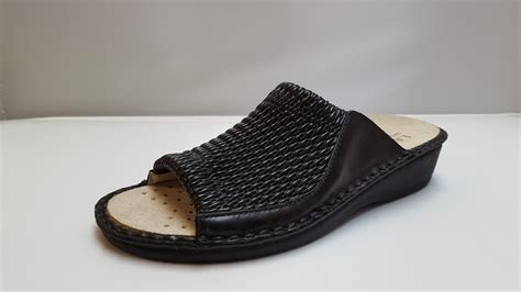 stretch comfort sandals la plume stretch women s black stretchy leather slide