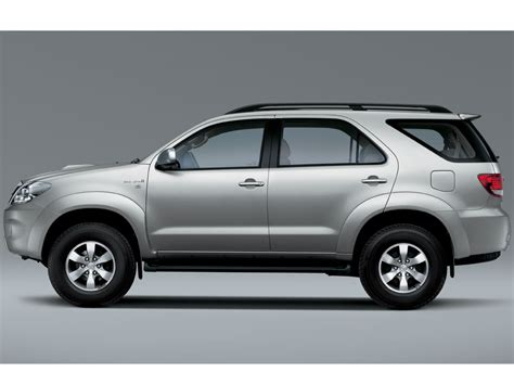 Toyota Fortuner 2011 Specifications 2011 Toyota Fortuner Pictures Information And Specs