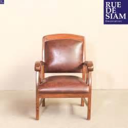 fauteuil en cuir style colonial
