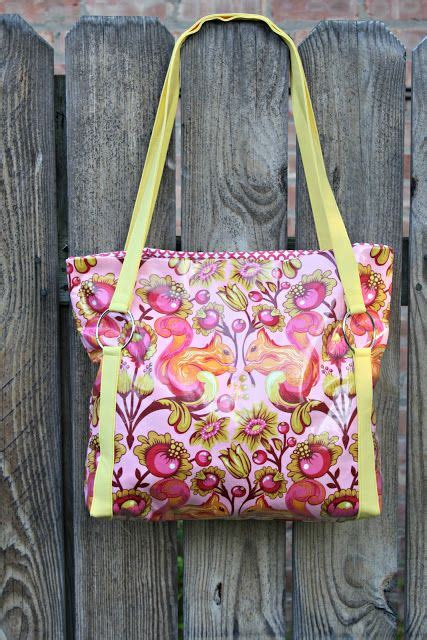 tutorial videos for quilting and tote bags the sawyer bag free tutorial quilt batting tote bag