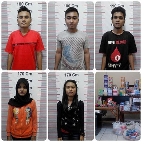 Parfum Di Alfamart mencuri di toko sendiri lima karyawan alfamart diamankan
