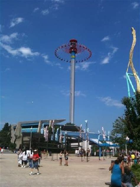 cedar point swing ride new for 2011 is windseeker a 305ft tall swing ride