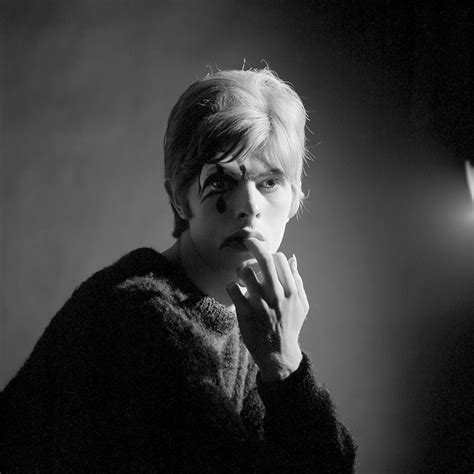 libro david bowie photographs by rare photos of 20 y o david bowie are being published for the first time