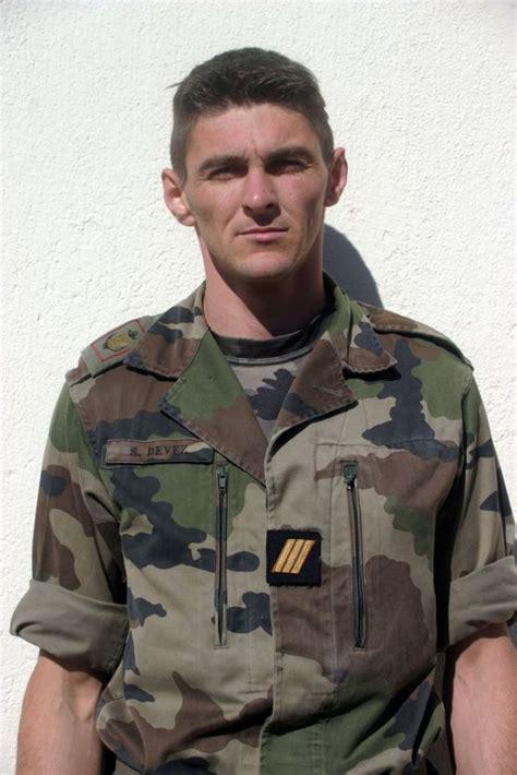 résumé un simple soldat 18 08 08 sergent chef s 233 bastien devez 29 ans 2 enfants 8 233 me rpima