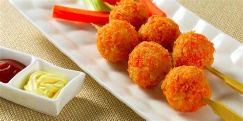 cara membuat makanan ringan untuk anak sekolah resep yuk bikin camilan bola keju kentang merdeka com