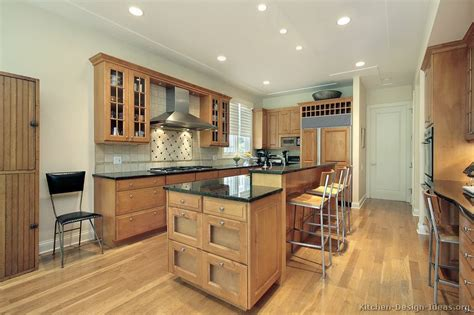 Pictures Of Kitchens Traditional Light Wood Kitchen Kitchens With Light Wood Cabinets