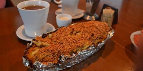 Bolu Jadoel Keju Large 5 oleh oleh kuliner klasik bogor yang wajib dibawa pulang kompas