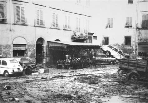 Piazza Calendario 5 Le Alluvioni Novembre 1966