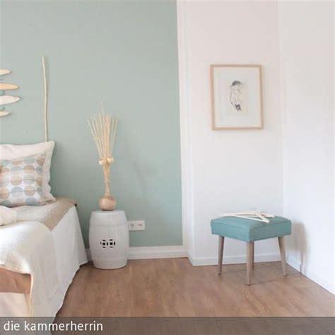 schlafzimmer taupe eine wand in t 252 rkis farrow