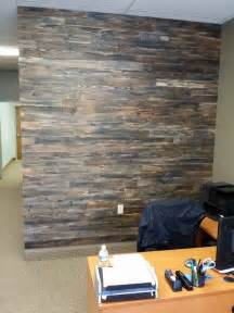 hometalk accent wall made with pallet wood