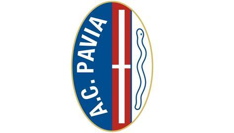 il logo dell universit 224 di pavia sulla maglia della
