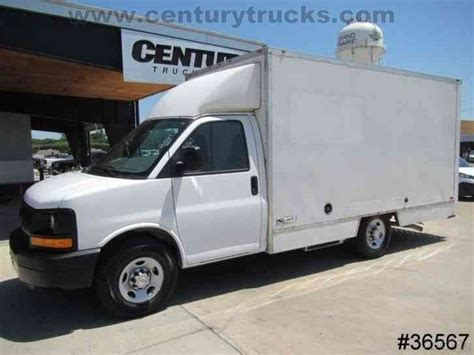 chevrolet 3500 srw express 2009 van box trucks