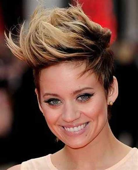 wemon hair style in2015 in a shortcut short ombre pixie haircut for 2018 short hair colors
