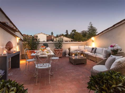 casa laura unwind yourself on a luxury terrace in lucca