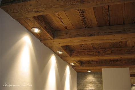 soffitti con faretti soffitto in legno antico con faretti falegnameria frad 224