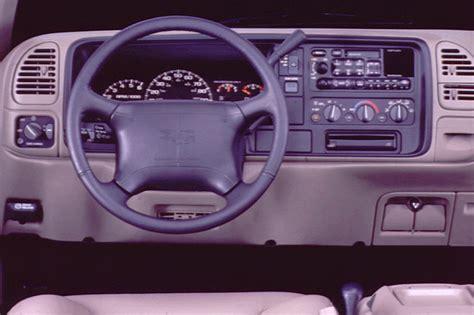 1992 Gmc Interior by 1992 00 Gmc Yukon Denali Consumer Guide Auto