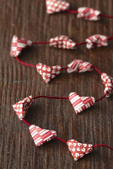Mini Origami Hearts - garlands and paper chains by lekelof 57 other ideas to