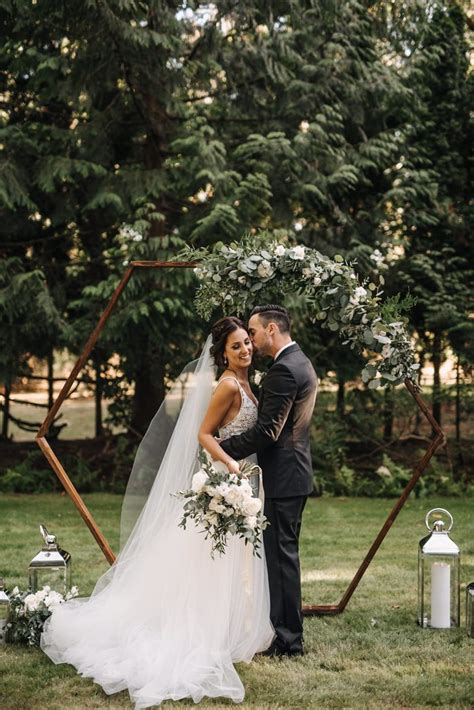 sophisticated black and white vancouver backyard wedding
