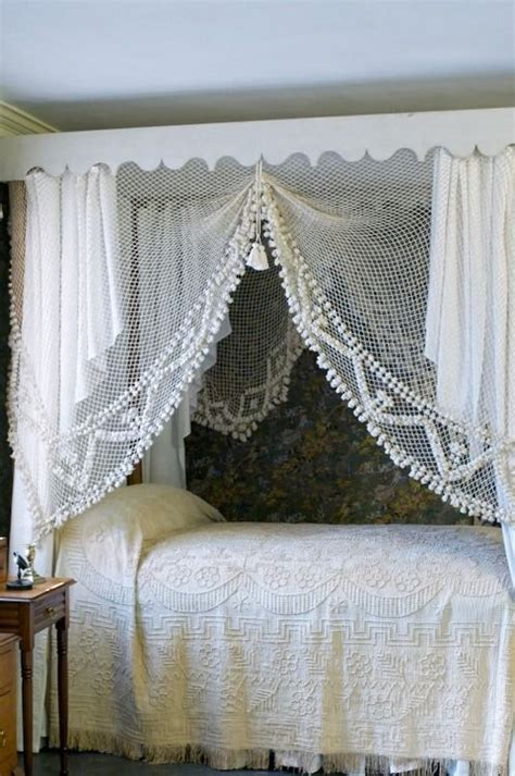 Lace Bed Canopy Best 25 Curtain Bed Ideas On Kitchen Window Dressing Window Curtains And