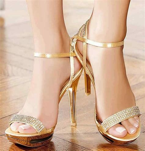 latest fashion trend  stylish high heels  pakistan
